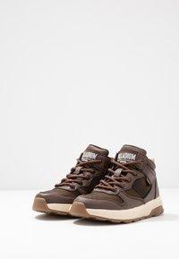 Palladium - AXEON MIDS - Sneakers high - carafe - 3