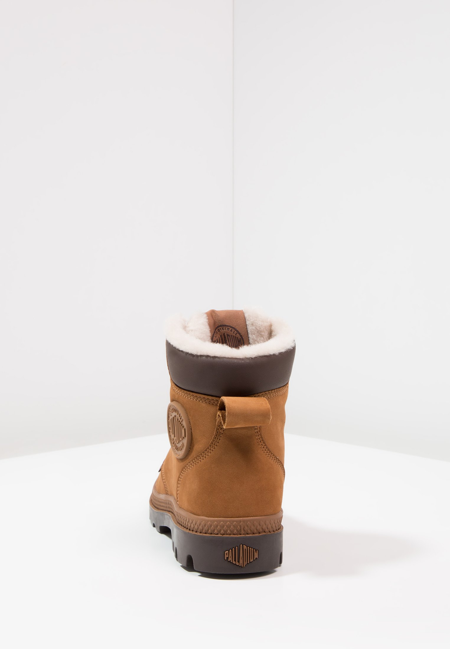 Palladium PAMPA SPORT WATERPROOF SHEARLING - Śniegowce - mahogany/chocolate