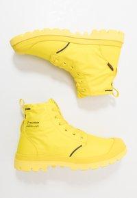 Palladium - PAMPA LITE+ WP+ - Šněrovací kotníkové boty - yellow - 1