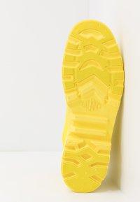 Palladium - PAMPA LITE+ WP+ - Šněrovací kotníkové boty - yellow - 4