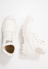 Palladium - PAMPA ORGANIC - Šněrovací kotníkové boty - star white - 1