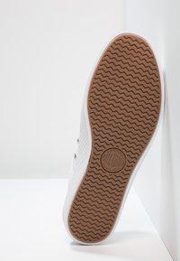 Palladium - PALLAPHOENIX OG CVS - Sneakersy niskie - white - 4