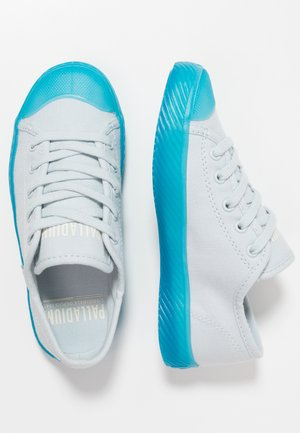 Sneakers - illusion blue