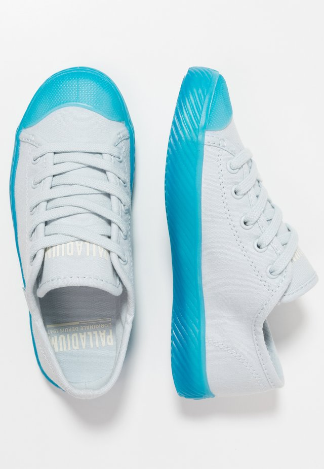 Trainers - illusion blue