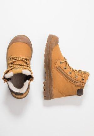 HI CUFF WPS - Veterboots - amber gold/brown