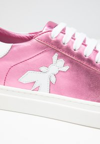 Patrizia Pepe - Trainers - metallic berry - 2