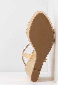 Patrizia Pepe - Korolliset sandaalit - gold star - 6