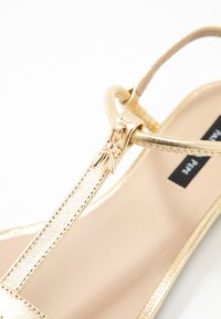 Patrizia Pepe - Sandals - gold star - 2