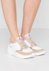 Patrizia Pepe - Sneakers - touch savana - 0