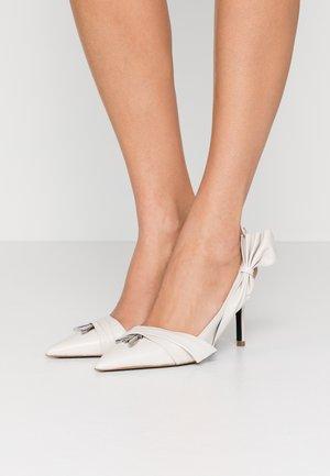 High heels - ivory