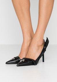 Patrizia Pepe - High heels - nero - 0