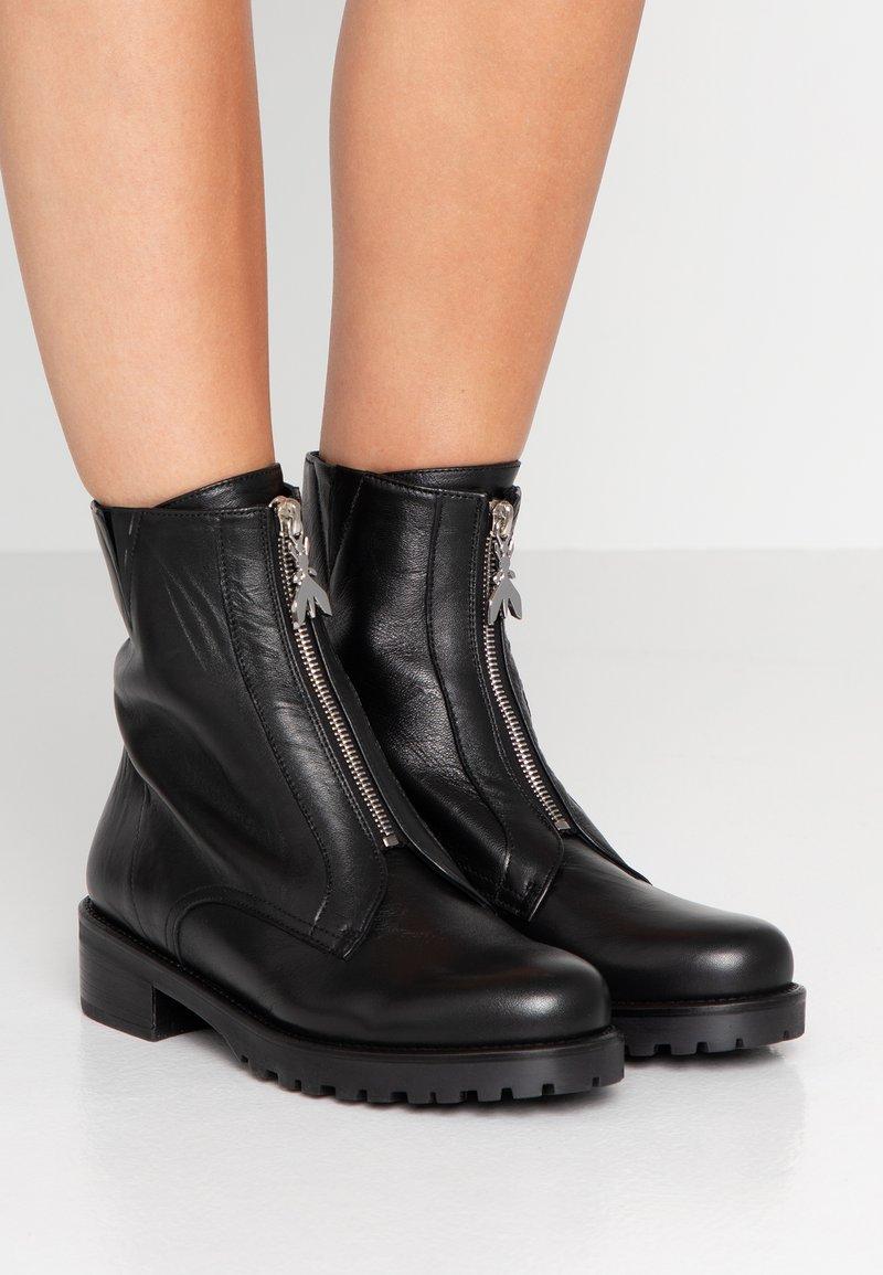 Patrizia Pepe - Classic ankle boots - nero