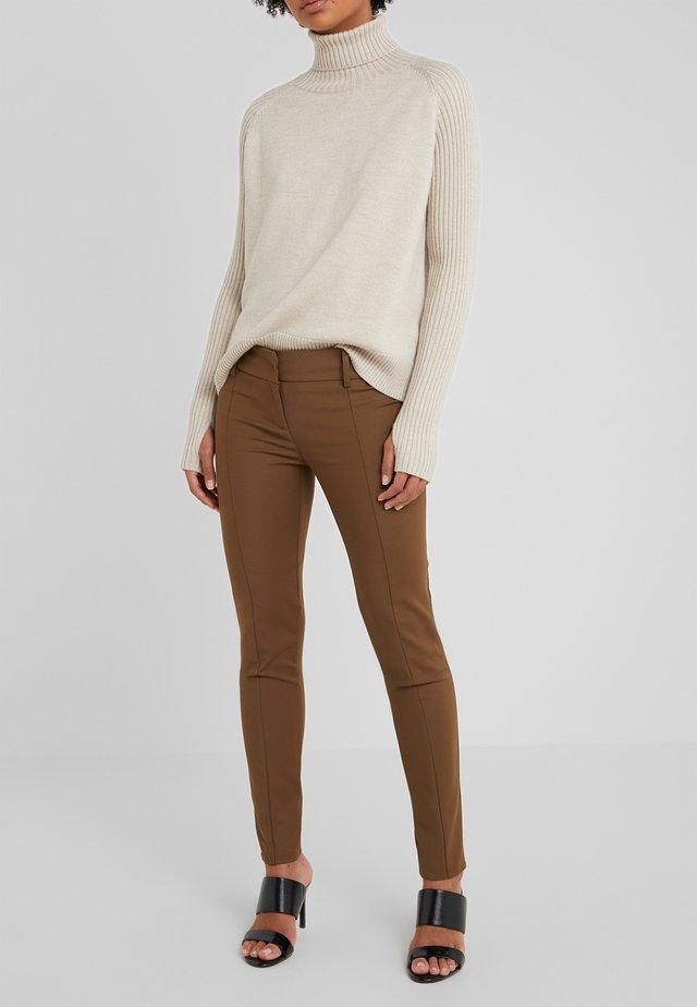Spodnie materiałowe - techno brown