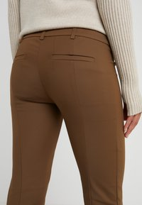 Patrizia Pepe - Tygbyxor - techno brown - 4