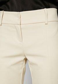 Patrizia Pepe - LOW FIT PANT - Pantaloni - antica beige - 5