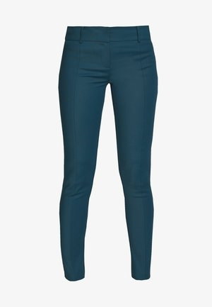 LOW FIT PANT - Bukse - green powder blue