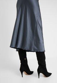 Patrizia Pepe - GONNA SKIRT - A-snit nederdel/ A-formede nederdele - lava grey - 4