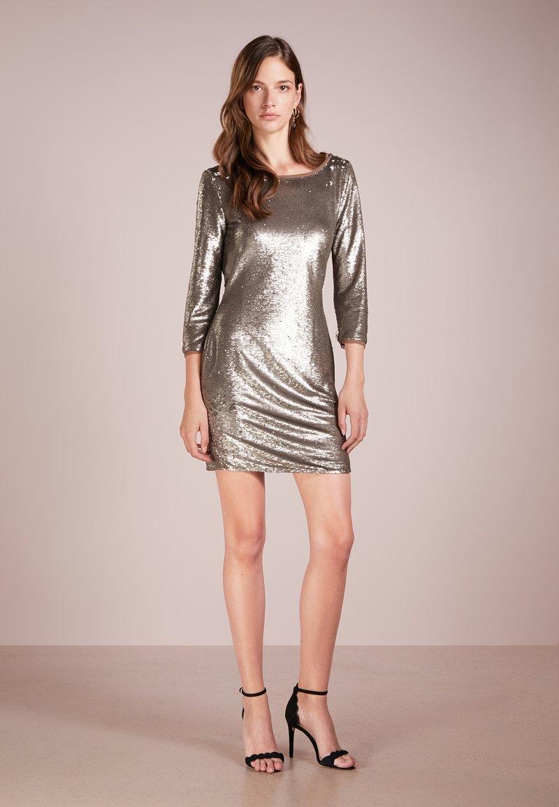 Patrizia Pepe - Cocktailkleid/festliches Kleid - dark gold