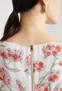 Patrizia Pepe - Vestido informal - white flowers - 5