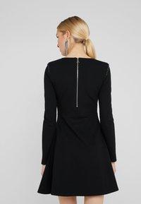 Patrizia Pepe - ABITO DRESS - Robe en jersey - nero - 2