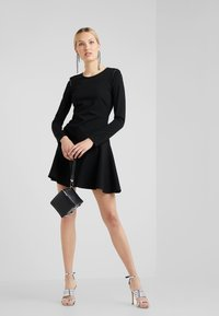 Patrizia Pepe - ABITO DRESS - Robe en jersey - nero - 1