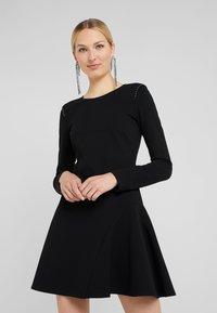Patrizia Pepe - ABITO DRESS - Robe en jersey - nero - 0