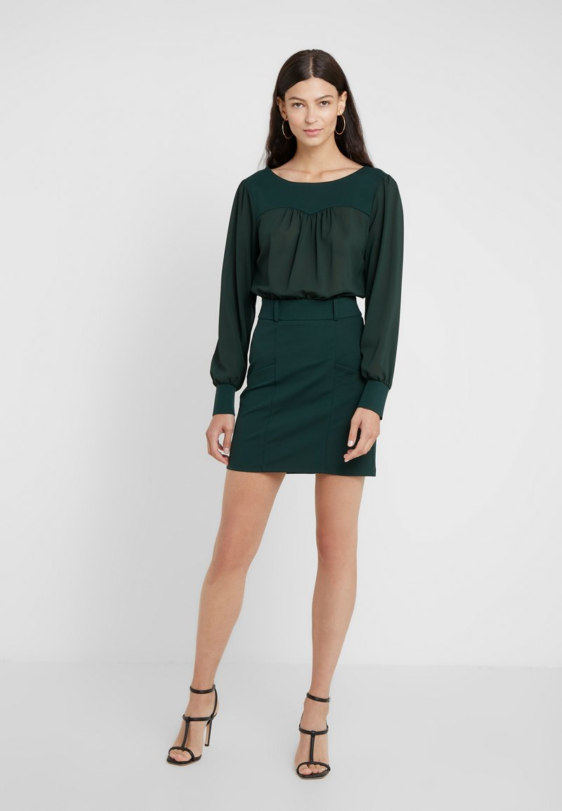 Patrizia Pepe - ABITO DRESS - Etuikleid - dark green