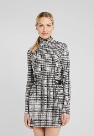 ABITO DRESS - Pouzdrové šaty - grey