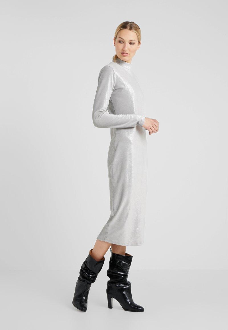 Patrizia Pepe - ABITO DRESS - Sukienka letnia - moon silver