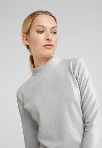 Patrizia Pepe - ABITO DRESS - Sukienka letnia - moon silver - 3