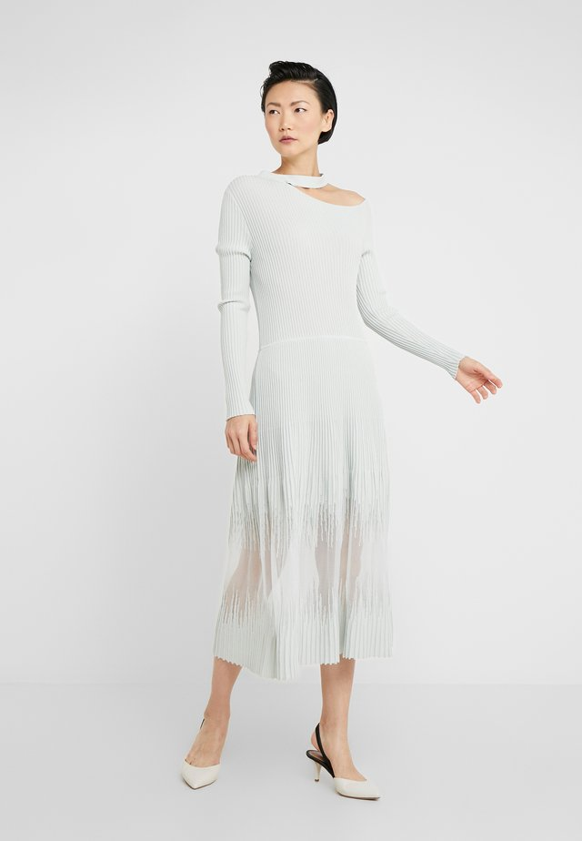 ABITO DRESS - Strickkleid - white wave