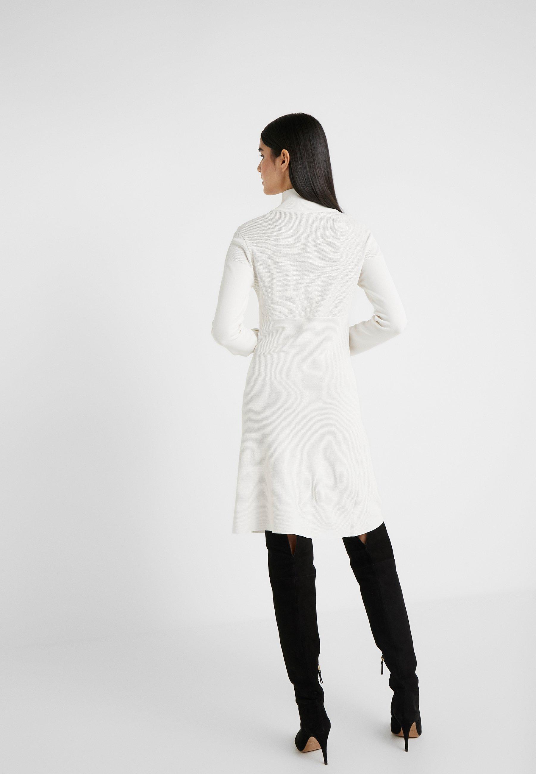 Patrizia Pepe ABITO DRESS - Stickad klänning - bianco/nero