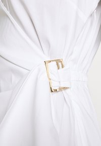 Patrizia Pepe - ABITO DRESS - Kjole - white - 7