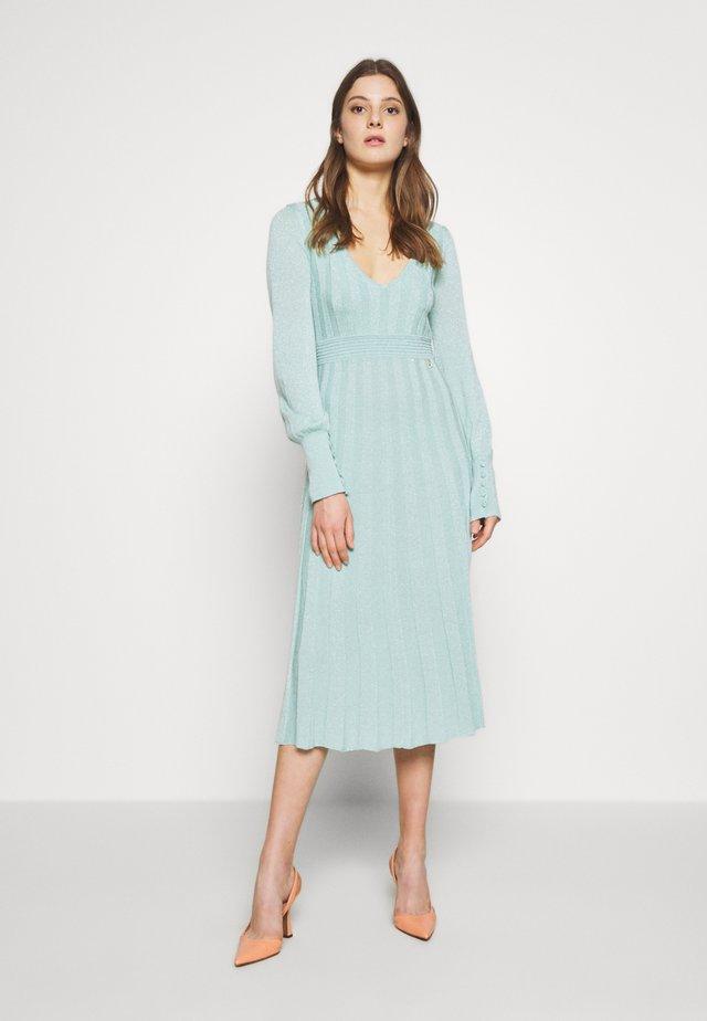 ABITO DRESS - Stickad klänning - mint