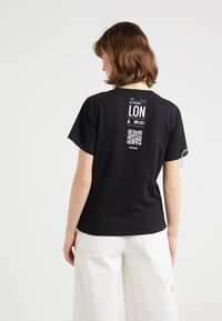Patrizia Pepe - T-shirt z nadrukiem - nero - 2