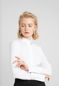 Patrizia Pepe - CARRY OVER - Skjorte - bianco ottico - 4