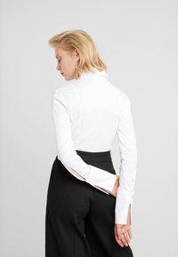 Patrizia Pepe - CARRY OVER - Skjorte - bianco ottico - 2