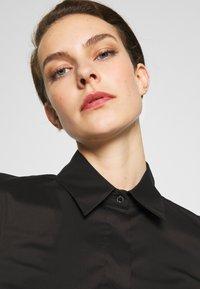 Patrizia Pepe - CARRY OVER - Button-down blouse - nero - 4