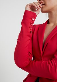 Patrizia Pepe - Blazer - red lipstick - 4