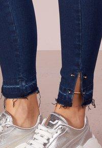 Patrizia Pepe - Jeans Skinny Fit - mid blue - 3
