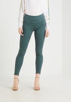 Spodnie materiałowe - self green