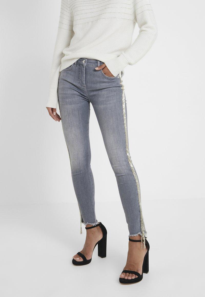 Patrizia Pepe - PANTALONI TROUSERS - Jeans Skinny Fit - grey
