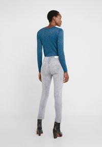 Patrizia Pepe - PANTALONI TROUSERS - Jeans Skinny Fit - grey bleached wash - 2
