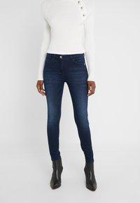 Patrizia Pepe - PANTALONI TROUSERS - Jeans Skinny Fit - blue wash - 0
