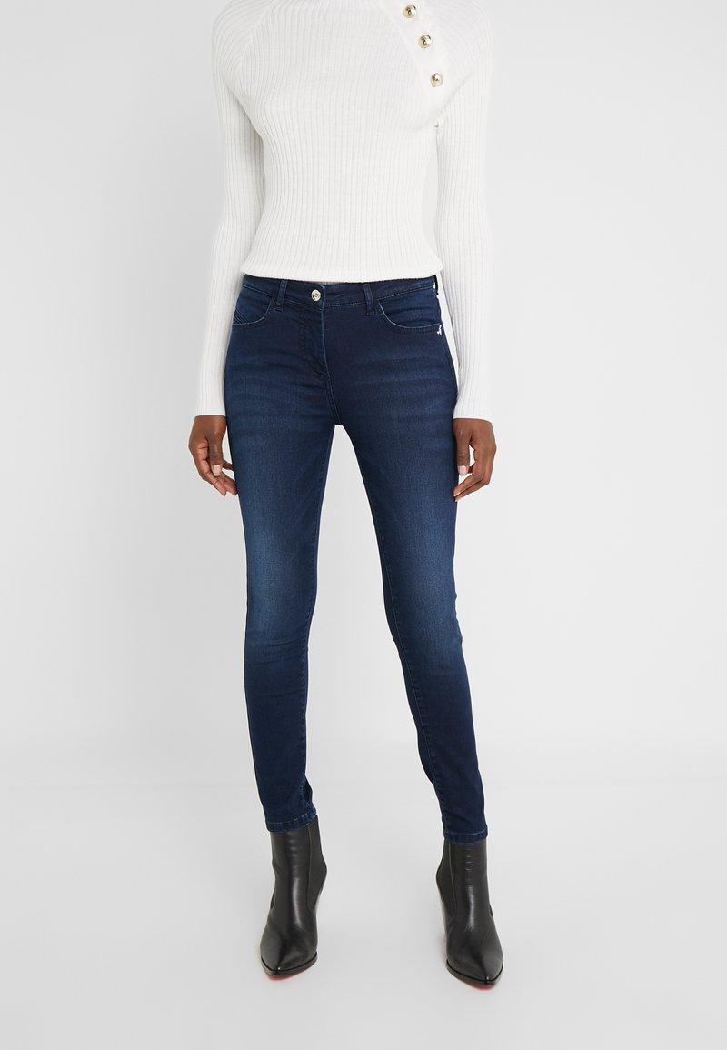 Patrizia Pepe - PANTALONI TROUSERS - Jeans Skinny Fit - blue wash
