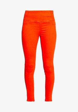 HIGH WAIST SHAPE - Skinny džíny - hibiscus red