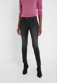 Patrizia Pepe - PANTALONI TROUSERS - Jeans Skinny Fit - black wash - 0