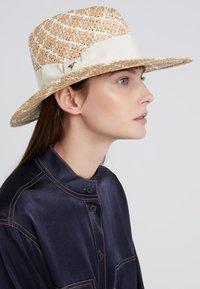 Patrizia Pepe - CAPPELLO HAT - Hatt - natural mutlicolor - 1