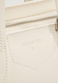 Patrizia Pepe - BORSA BAG - Handbag - moon sand - 6