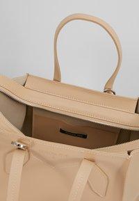 Patrizia Pepe - BORSA BAG - Handbag - camel beige - 4